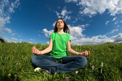 adolescente-meditando