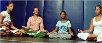 jovenes meditando 4